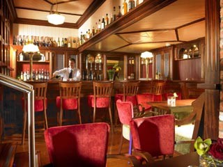 Martime Hotel Bantry snut/bar furniture